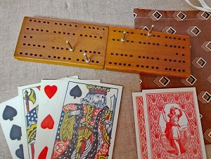 Folding Cribbage Set.